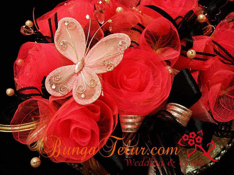 Bunga Gubahan Coklat http://www.homemakerdiary.com/2011/10/24/gubahan