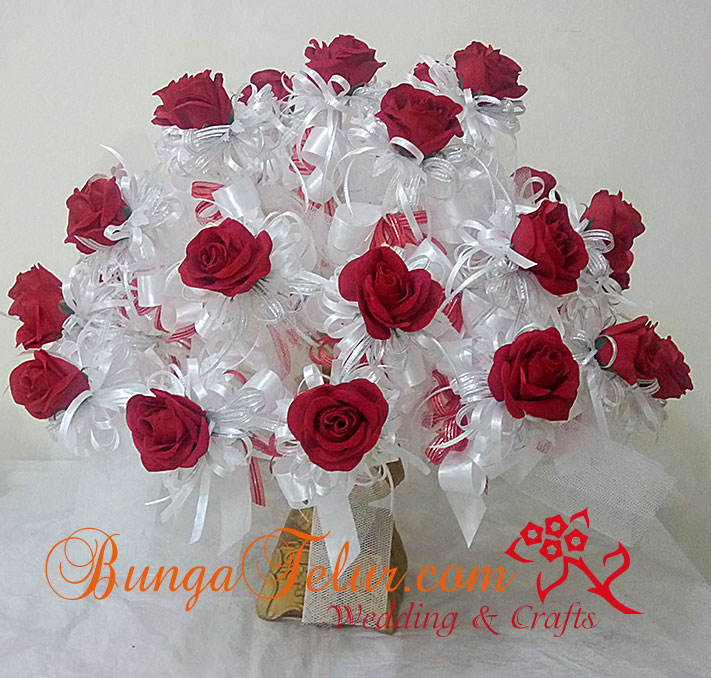 full-pahar-bunga-telur-rose-merah